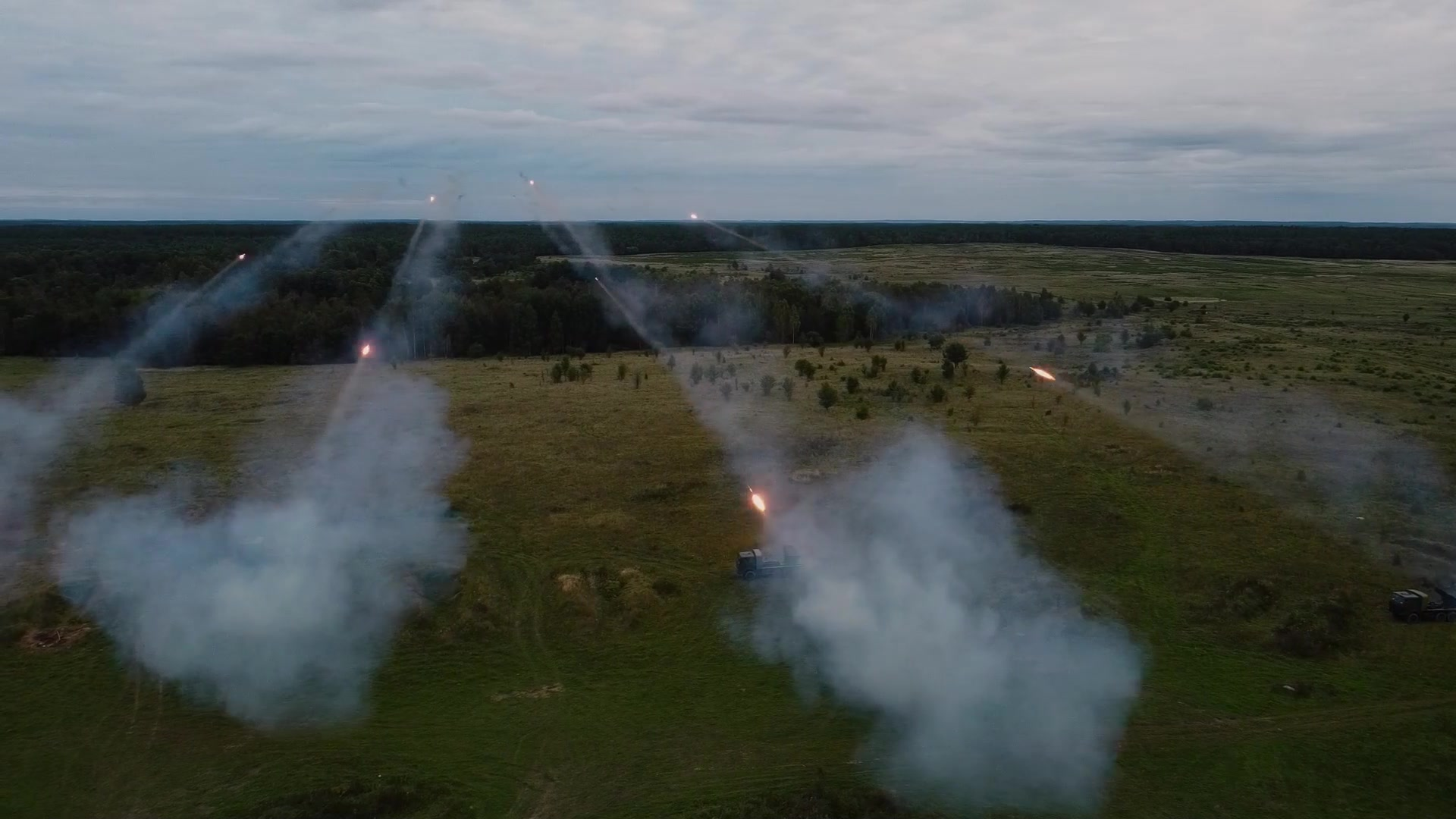 Battle Group Poland's Storm Battery brings the fire to effect