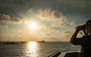 E16 - On the Horizon: Gen Petraeus joins Adm Foggo