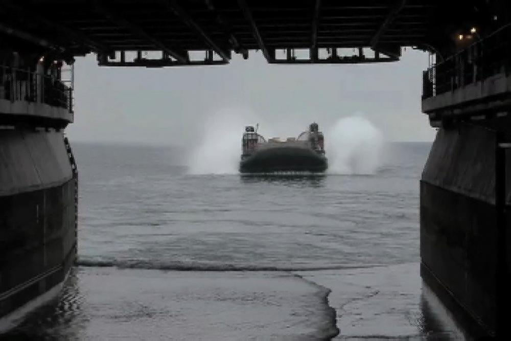 dvids - video - assault craft unit 4 lcac operations