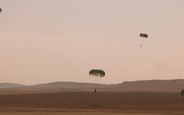 U.S. and Jordanian Soldiers Earn Jump Wings