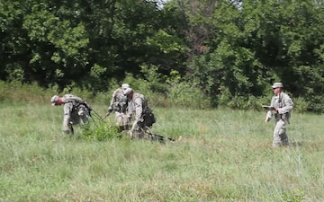Soldiers in Chosen Company, 2-16 IN Conduct a Fire Team Competition
