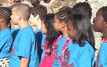 Elementary Students Bring Fort Hood Soldiers Holiday Cheer