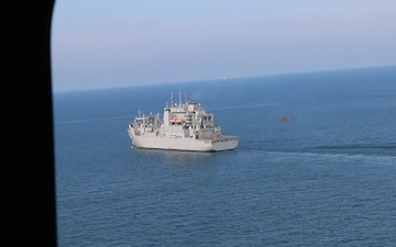 40th CAB Helicopters Land Aboard the USNS Alan Shepard