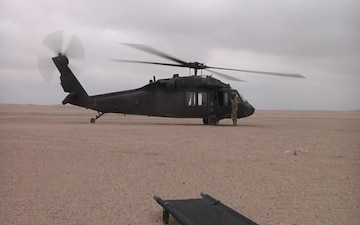 40th CAB Soldiers give ARCENT troops medevac training
