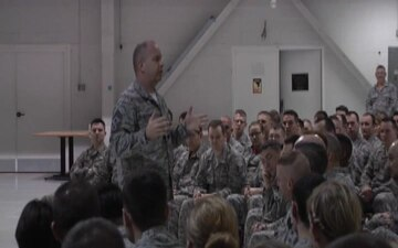 Command Chief Visits 181st IW