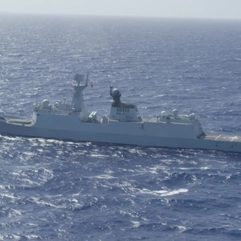 Chinese Navy multi-role frigate Hengshui (572) - Forty Ships and Submarines Steam in Close Formation During RIMPAC