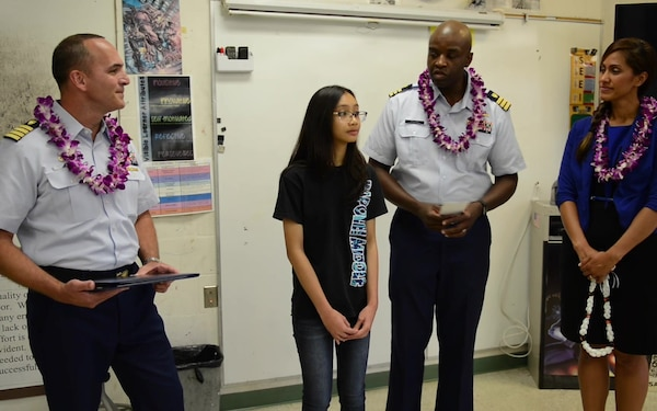 U.S. Coast Guard in Hawaii presents art award to Kapolei student