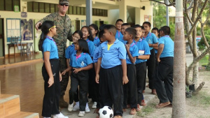CLB 4 visits local Thai school