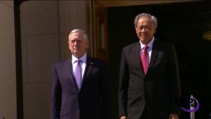 Mattis, Singapore's Defense Minister Discuss Bilateral Ties