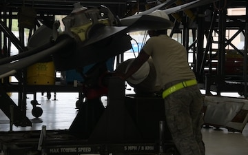 146th Maintenance Replaces C-130J Propeller