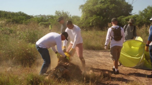 U.S. Marines pitch in to clean Darwin water front