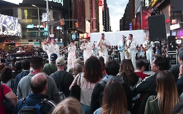 Navy Band Northeast Rock Band in Times Square for FWNY 2017