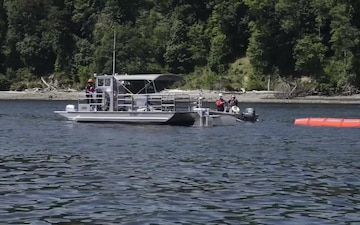 Joint spill response exercise off Blake Island, Wash.