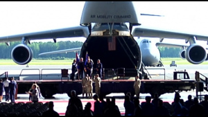 512TH AIRLIFT WING CHANGE OF COMMAND