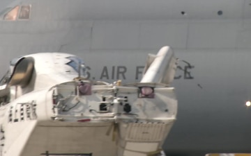PACIFIC UPDATE: Largest aircraft in American military moves cargo