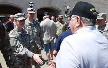 Kansas Honor Flight veterans meet  with Kansas National Guard members