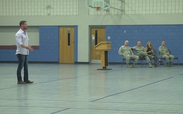 Disabled Veteran Speaks to Airmen