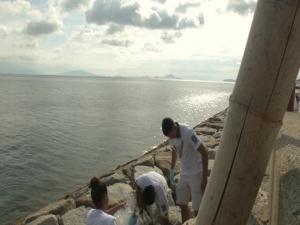 Iwakuni Marines clean Japanese beach (Package/Pkg)
