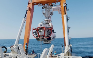 NATO Submarine Rescue System - IT with Music