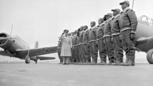 Tuskegee Airman helps 477th FG celebrate 10th anniversary