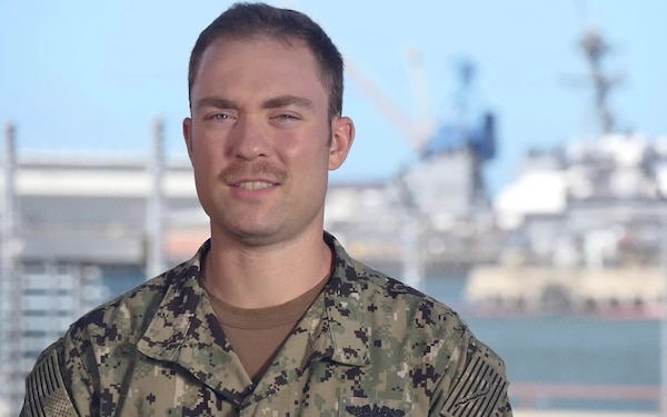 Petty Officer 2nd Class Nicholas Skinner - COMSUBPAC Holiday Greeting