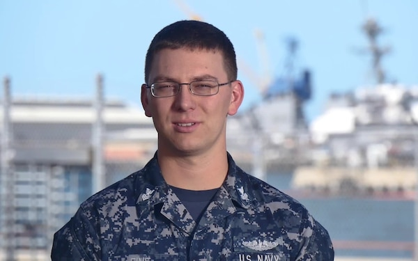 Petty Officer 1st Class Jesse Fine - COMSUBPAC Holiday Greeting