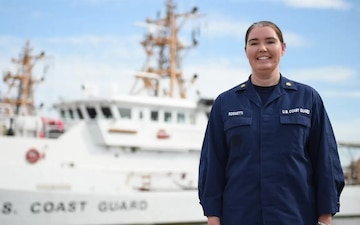 Lt. Cmdr. Johna Rossetti Holiday Greeting 5