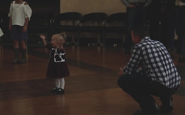 Iwakuni dads dance with daughters (Package/Pkg)