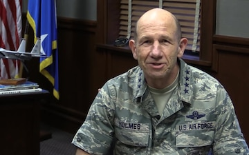 Gen Holmes says Farewell to Col Haldopolous