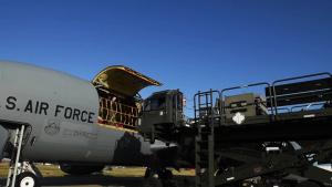 Boom Operators Cargo Loading