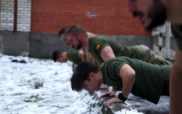 Get fit with NATO troops - IT Version with Music