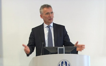 NATO Secretary General Gives Lecture at Leiden University College