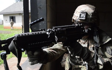 Tropic Lightning Division infantrymen conduct squad live fire (B-roll)