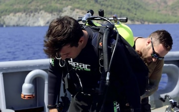 #WeAreNATO – Life beneath the waves - the Turkish Diver (Master w/Subs)