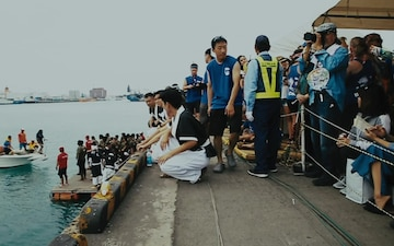 Heart of the Dragon - JGSDF and U.S. Marines team up, conquer a Naha Dragon Boat Race