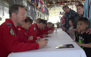Snowbirds Greet Fans at NORAD