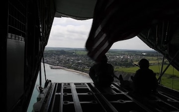 37th AS conducts low-level, formation flying
