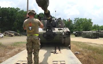 Arkansas National Guard Loads Paladins Onto Railcars