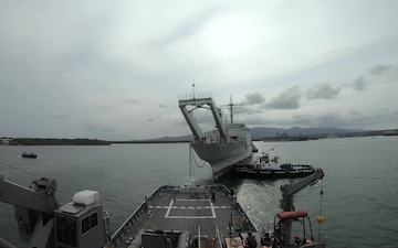 USNS Sioux tows ex-Racine Out to Sea
