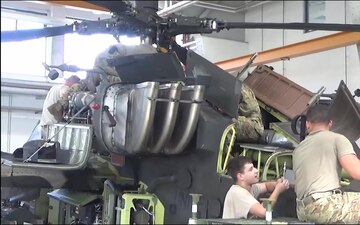 Company D, 1st Battalion, 3rd Aviation Regiment (Attack Reconnaissance) conduct 500 hours phase maintenance on a AH-64 Apache