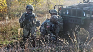 66th MI Brigade Soldiers conduct an FTX to Maintain Readiness(B-Roll)