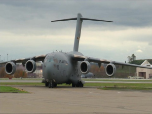 Pittsburgh C-17 Landing Taxi to Apron and Parking On New Expanded Apron