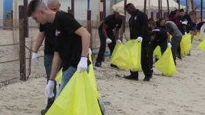 ARCENTury Beach Clean-up