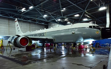 RC-135 Rivet Joint aircraft wash timelapse