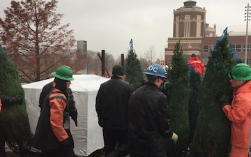 Crew of Coast Guard Cutter Mackinaw Unloads 1,200 Christmas Trees in Chicago