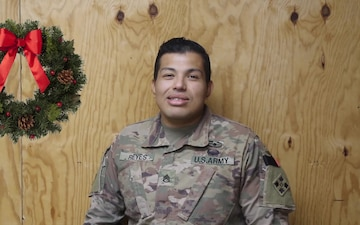 Holiday Greetings - Staff Sgt. Erixs Reyes (spanish)
