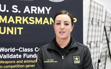 2LT Amber English gives a shout out to female veterans