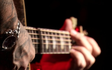 Aaron Lewis performs live for MCAS Iwakuni residents.  (B-Roll)