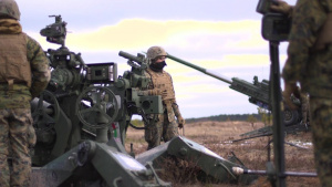 Rains Cold Steel: U.S. Marines fire M777 howitzers during Dynamic Front 19 (No graphics)