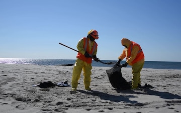 Goethals oil spill shore cleanup B-Roll